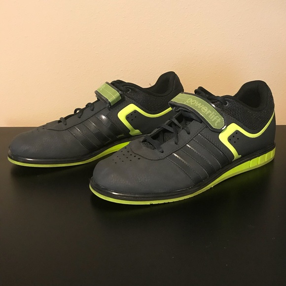 adidas Shoes Styrkeløft 20 vægtløftningPoshmark Powerlift 20 vægtløftning størrelse 12 Poshmark